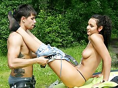 Teenage couples have fun and fuck